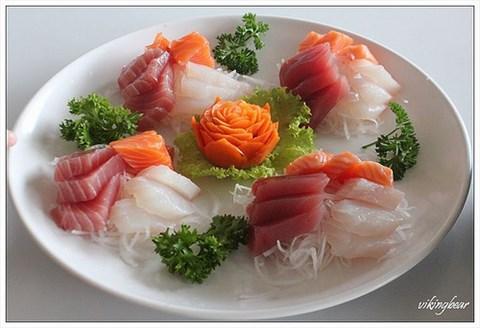 生鱼片 - 吉安乡的055龙虾海鲜餐厅)